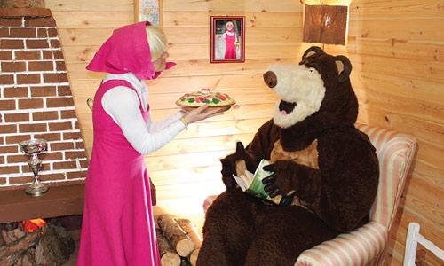 albero-con-masha-orso
